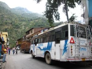 unser Bus auf der Fahrt von Chamba nach Bharmour/Himachal Pradesh/Indien