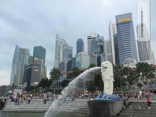 Der Merlion, Wahrzeichen Singapurs an der Marina Bay