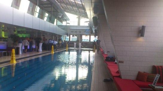Sky Bar im Traders Hotel ggü. den Petronas Towers, KL