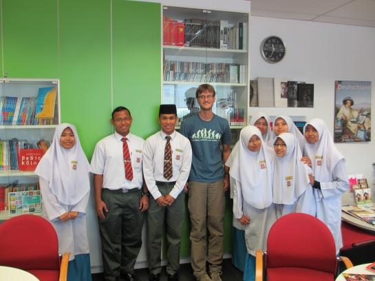 Im Goethe Institut mit einigen Deutschschülern in Kuala Lumpur