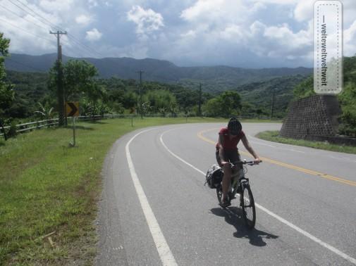 Mit dem Rad und Packtaschen unterwegs an Taiwans Westküste