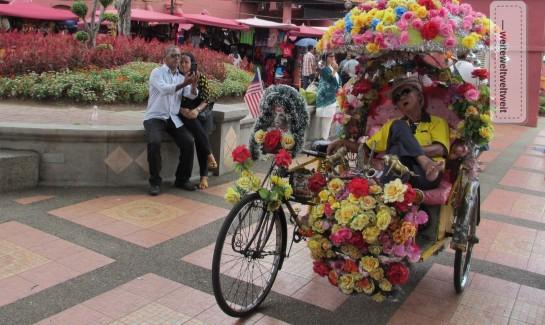 Los geht die Fahrt! Fahrradriksha in Melaka, Malaysia
